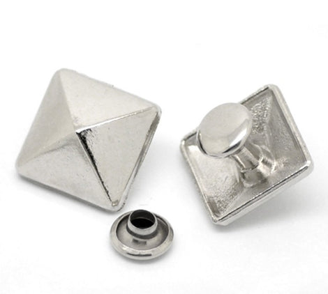 6 Sets Large PYRAMID CONE Stud Rivets . antiqued silver metal fin0169