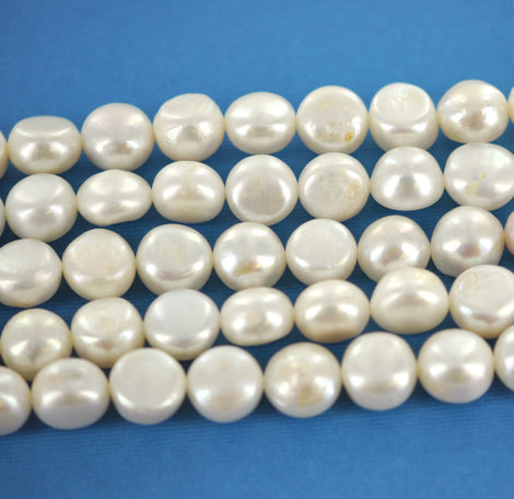 6  Polished Round IVORY FRESHWATER PEARL Beads  11mm gpe0024