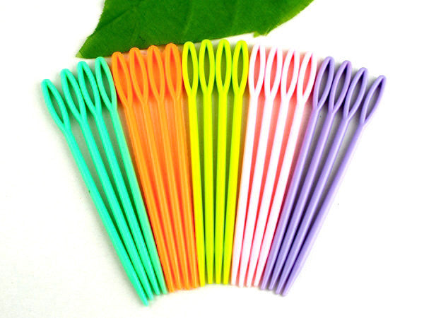 5 Plastic Mixed Color Yarn Threading Needles for finishing off knitting projects, 9.5cm  knt0006