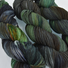 Hand Dyed Wool Yarn 100% Highland Wool, Salazar, 100g, yrn0019