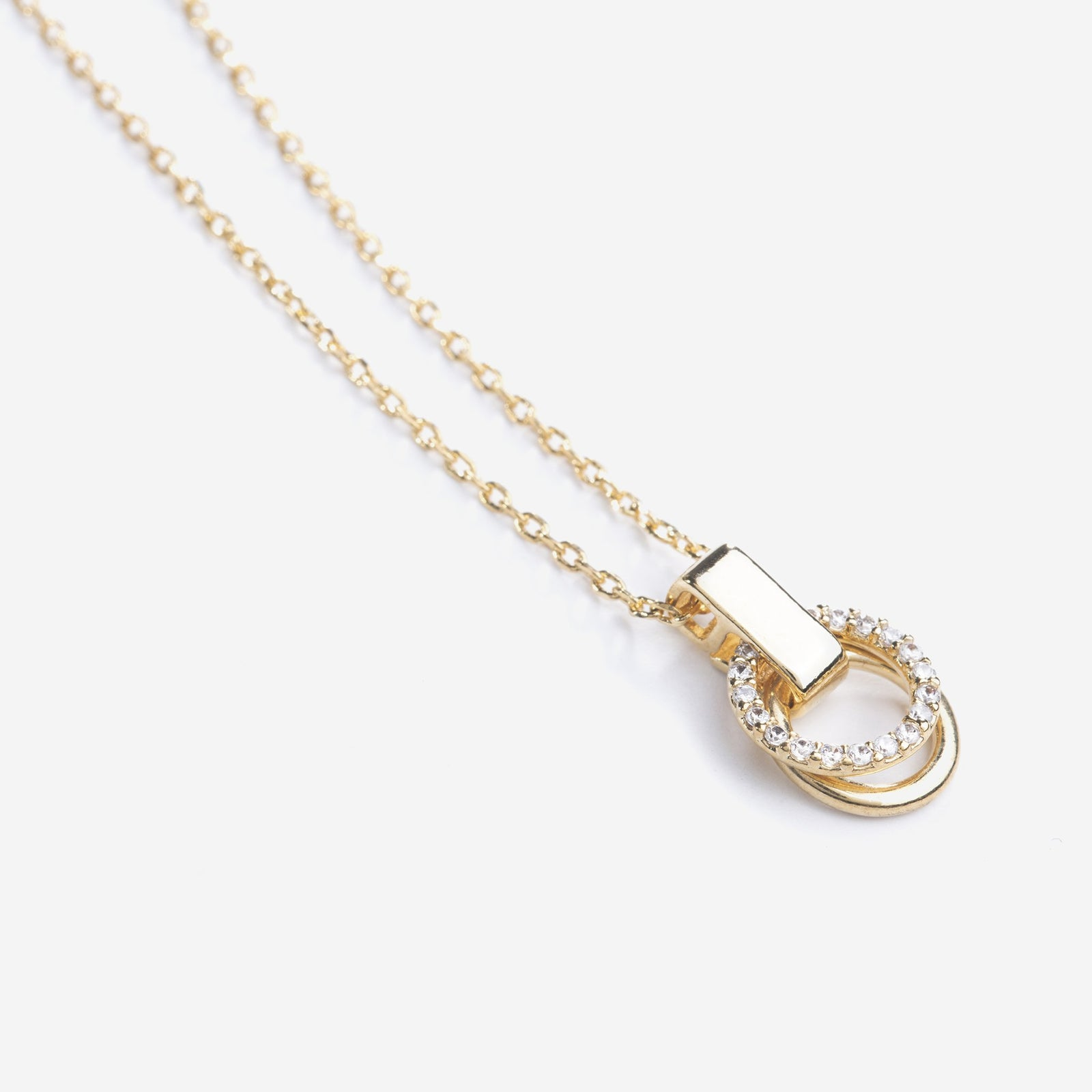 essential-necklace