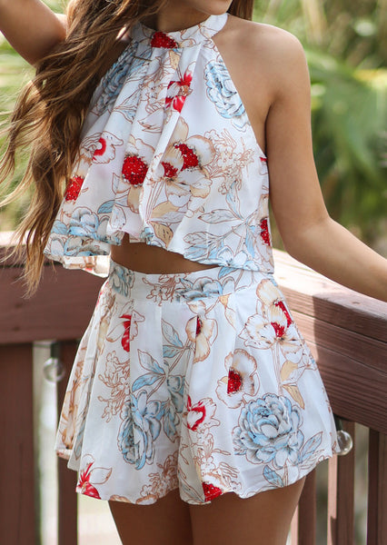 Sweet Floral Halter Top And Pleated Shorts