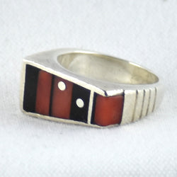 Inlay Coral & Jet Ring