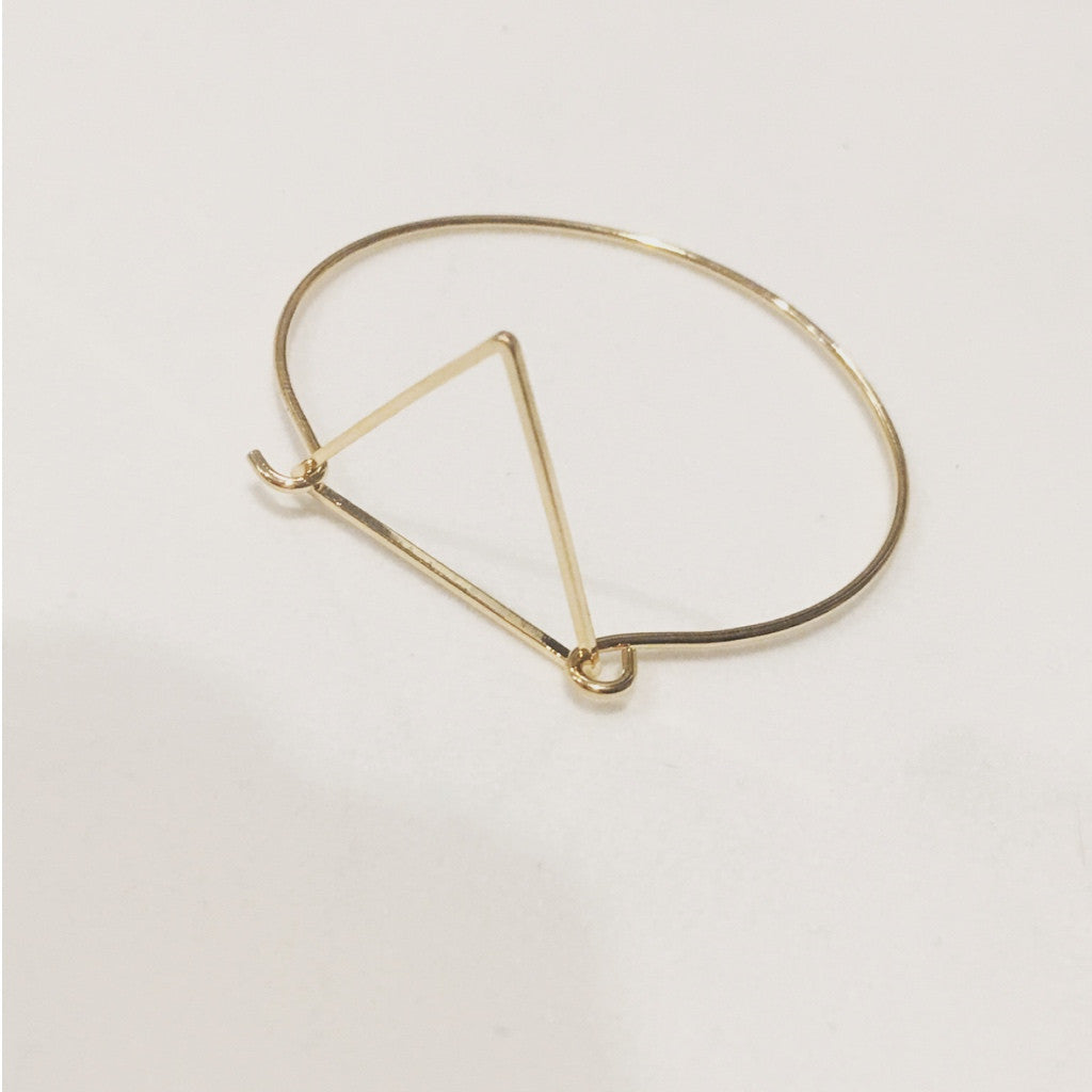 Simple Gold Plated Triangle Wire Bracelet. One Size