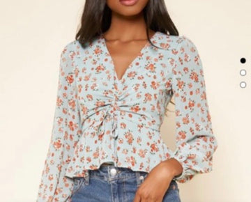 This top is perfect for spring!