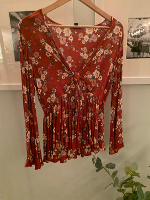 Tie Front mini sundress maroon with flowers