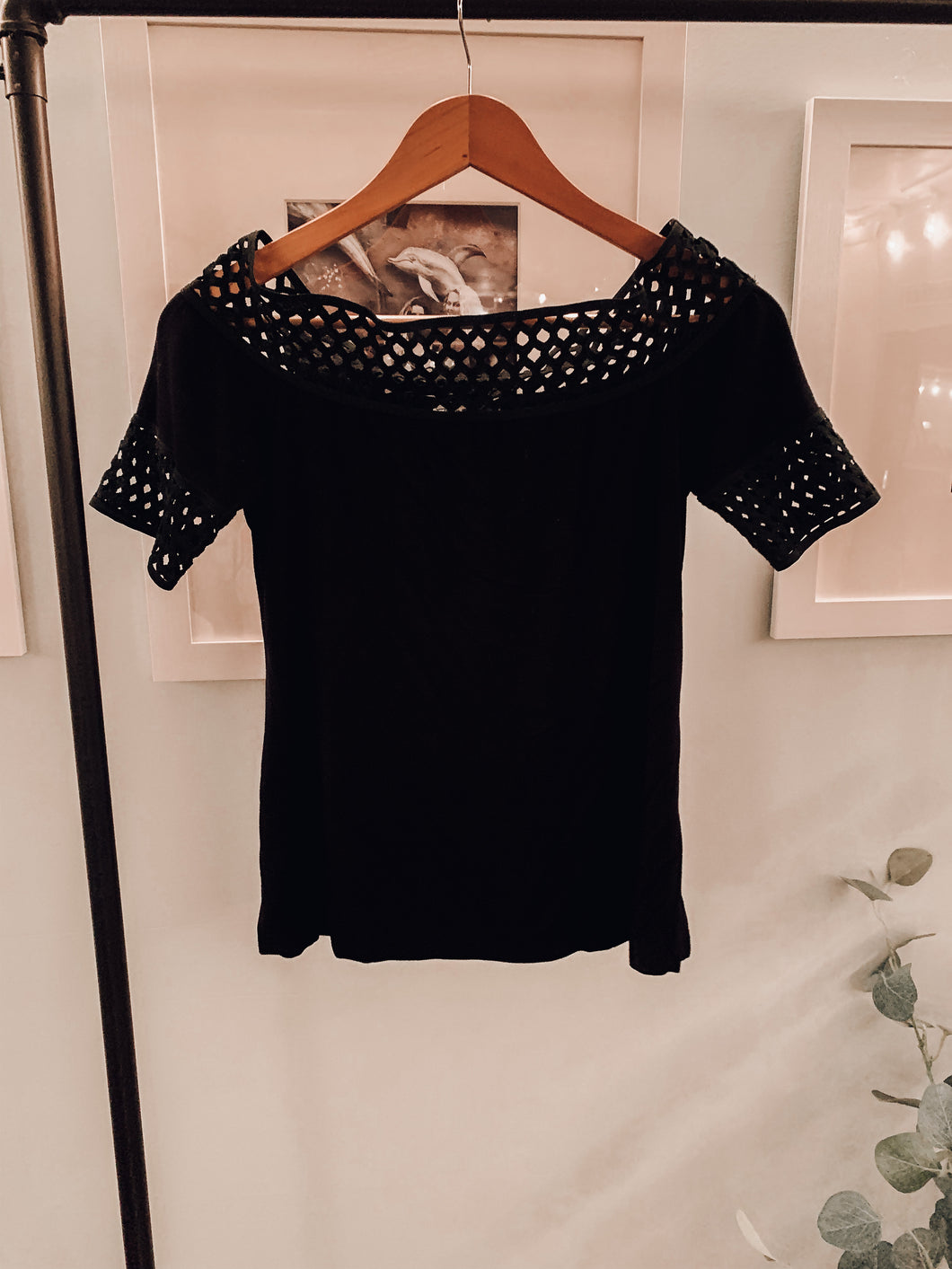 Retro off the shoulder top- black