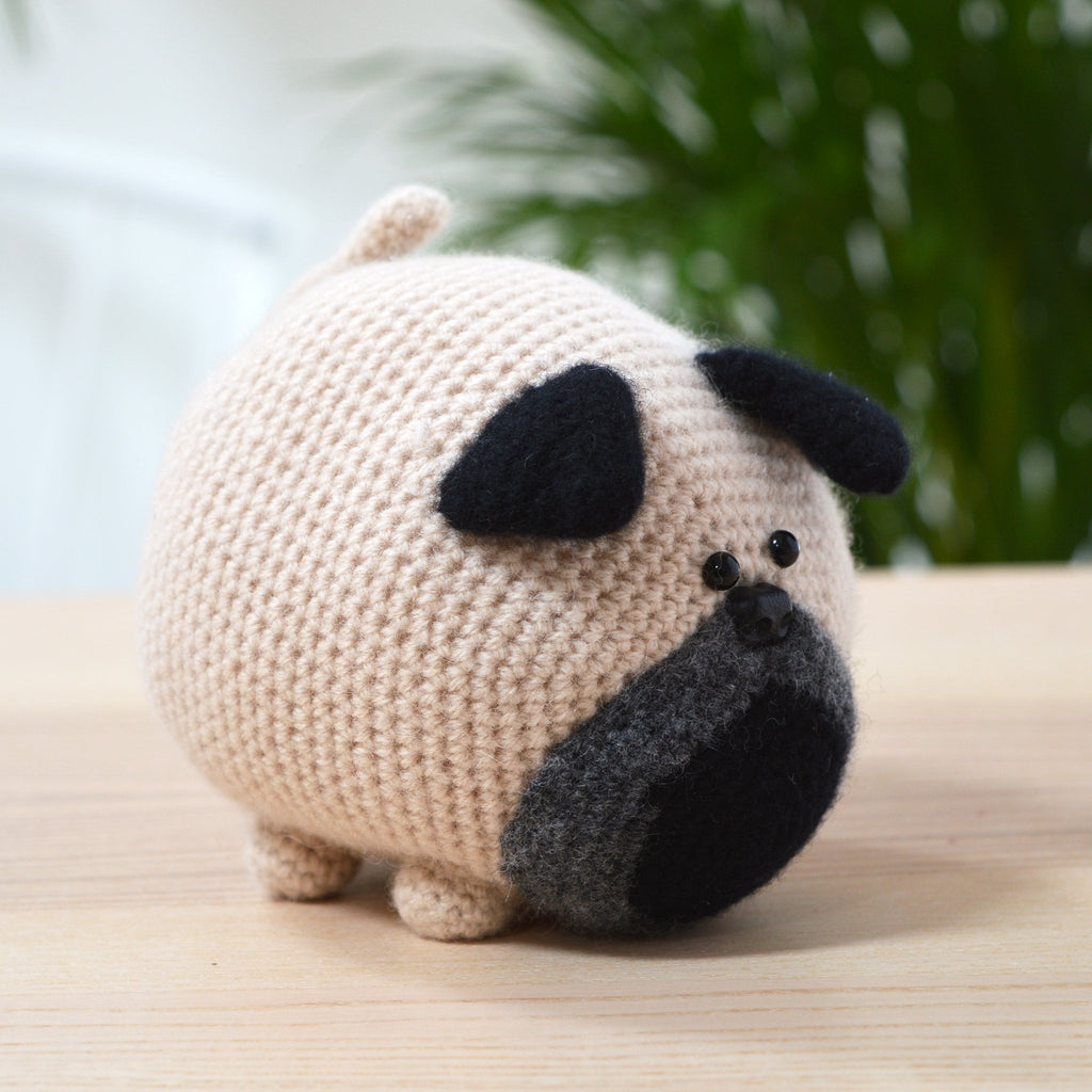 Cute Crochet Pug Dog - Free Pattern - DIY 4 EVER | 1024x1024