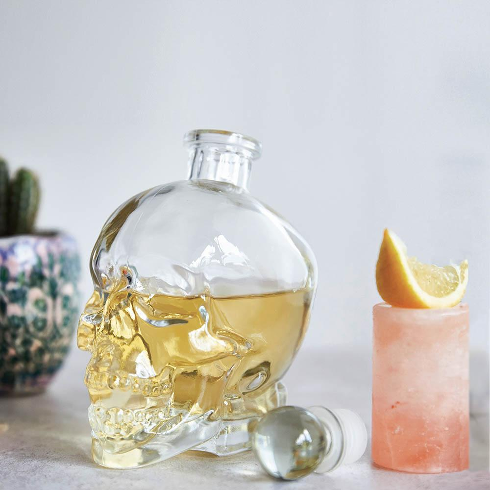 Skull Decanter & 2 Salt Shots