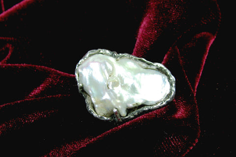 Sterling Silver and large baroque Pearl ring.