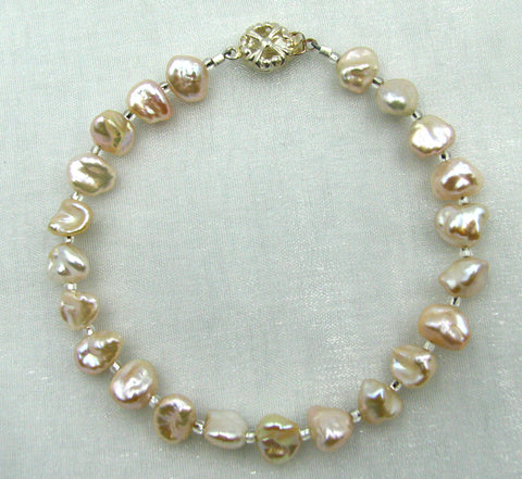 White Pearl and Sterling Silver Bracelet.