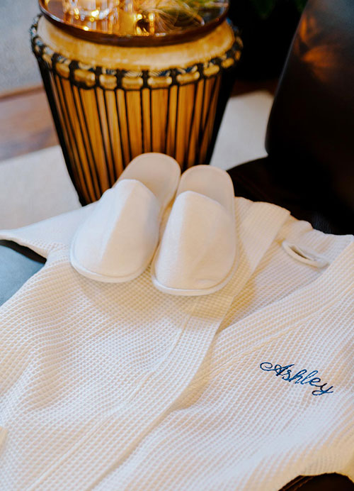 Wholesale Robes, Towels, Hotel Spa Slippers, Spa Robes, Blank Bags
