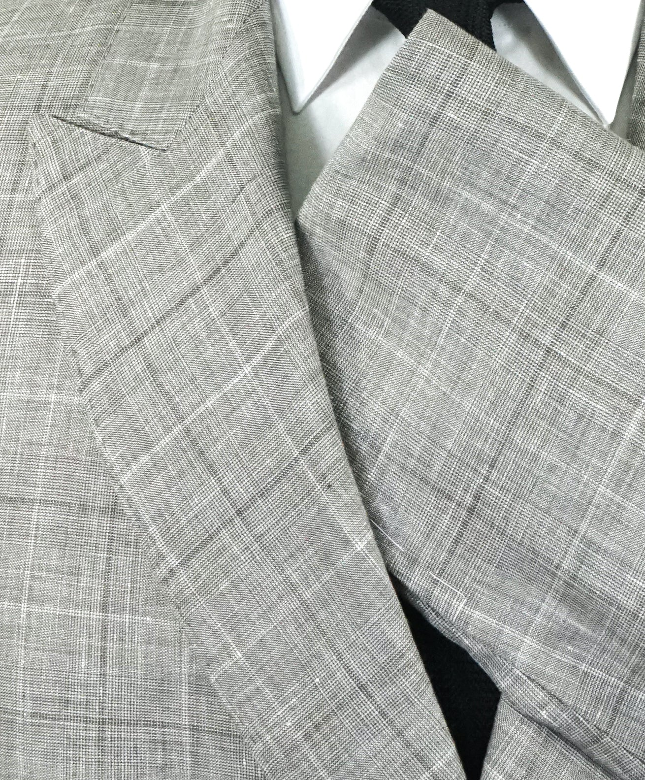 BRUNELLO CUCINELLI - Wool/Linen/Silk Plaid Double Breasted Gray Suit - 44R