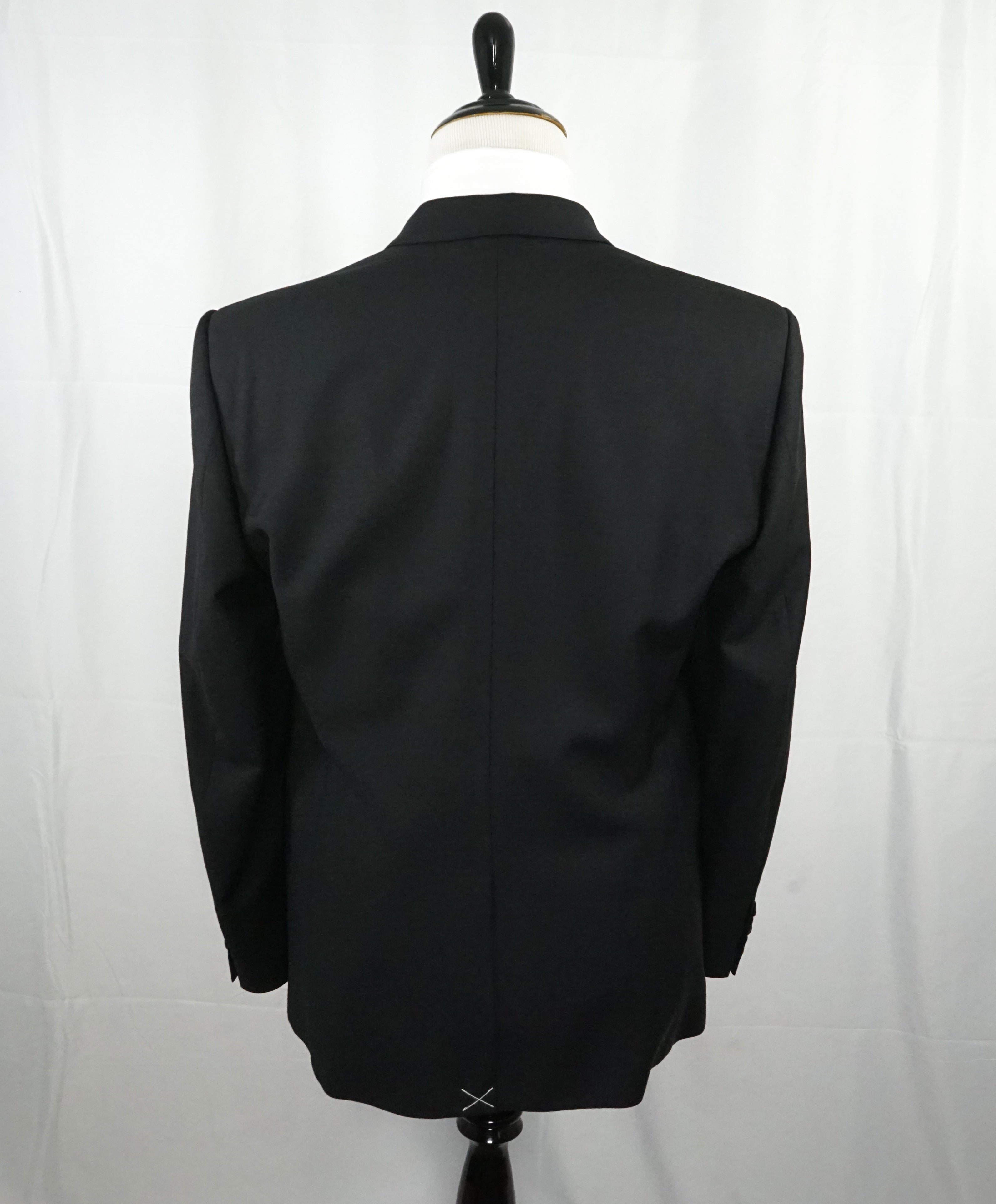 BURBERRY LONDON - Made In Italy Wool & Mohair Tuxedo Suit - 44R