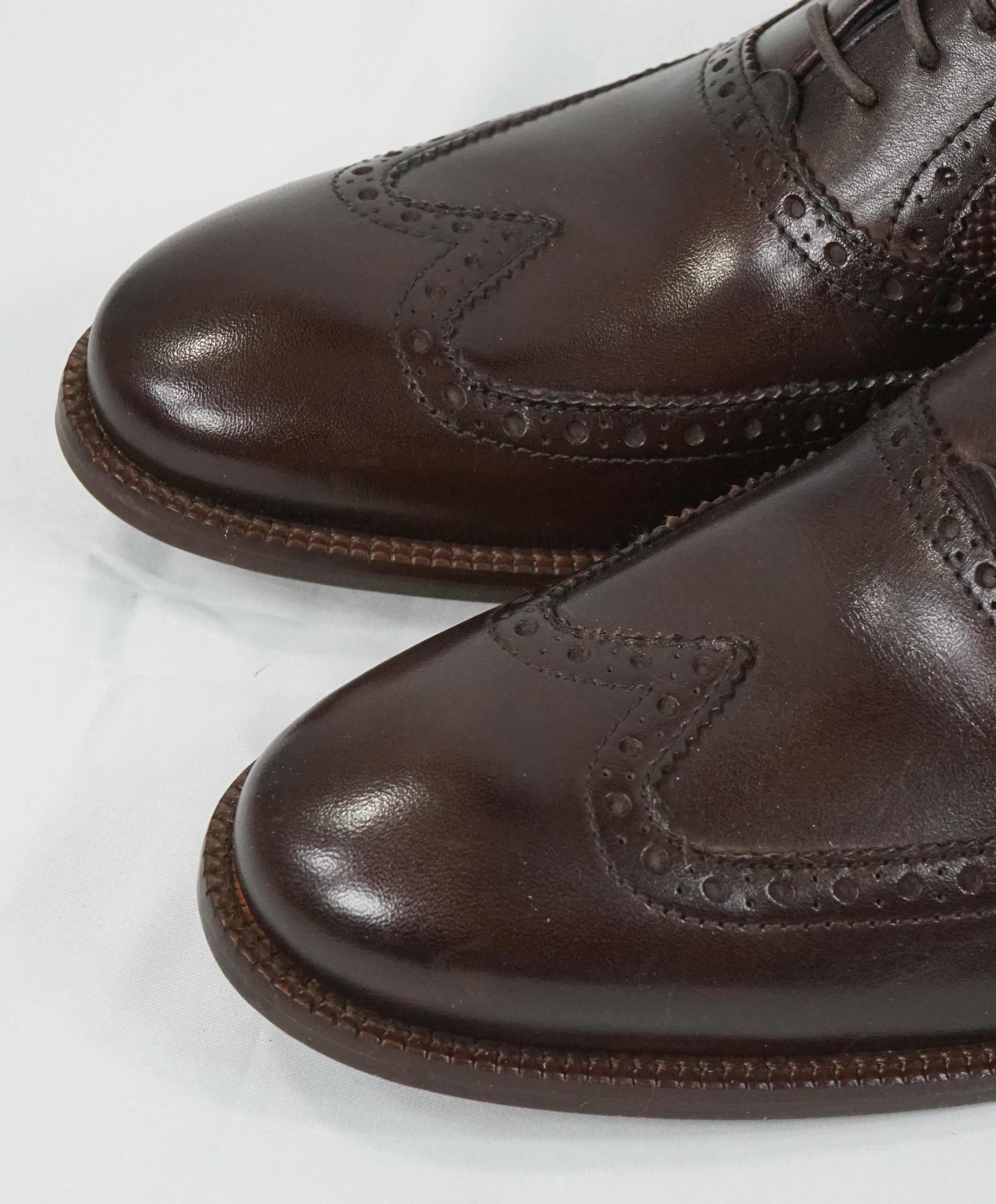 "COLE HAAN - ""Williams"" Leather Wingtip Oxfords Padded Insole - 8.5"