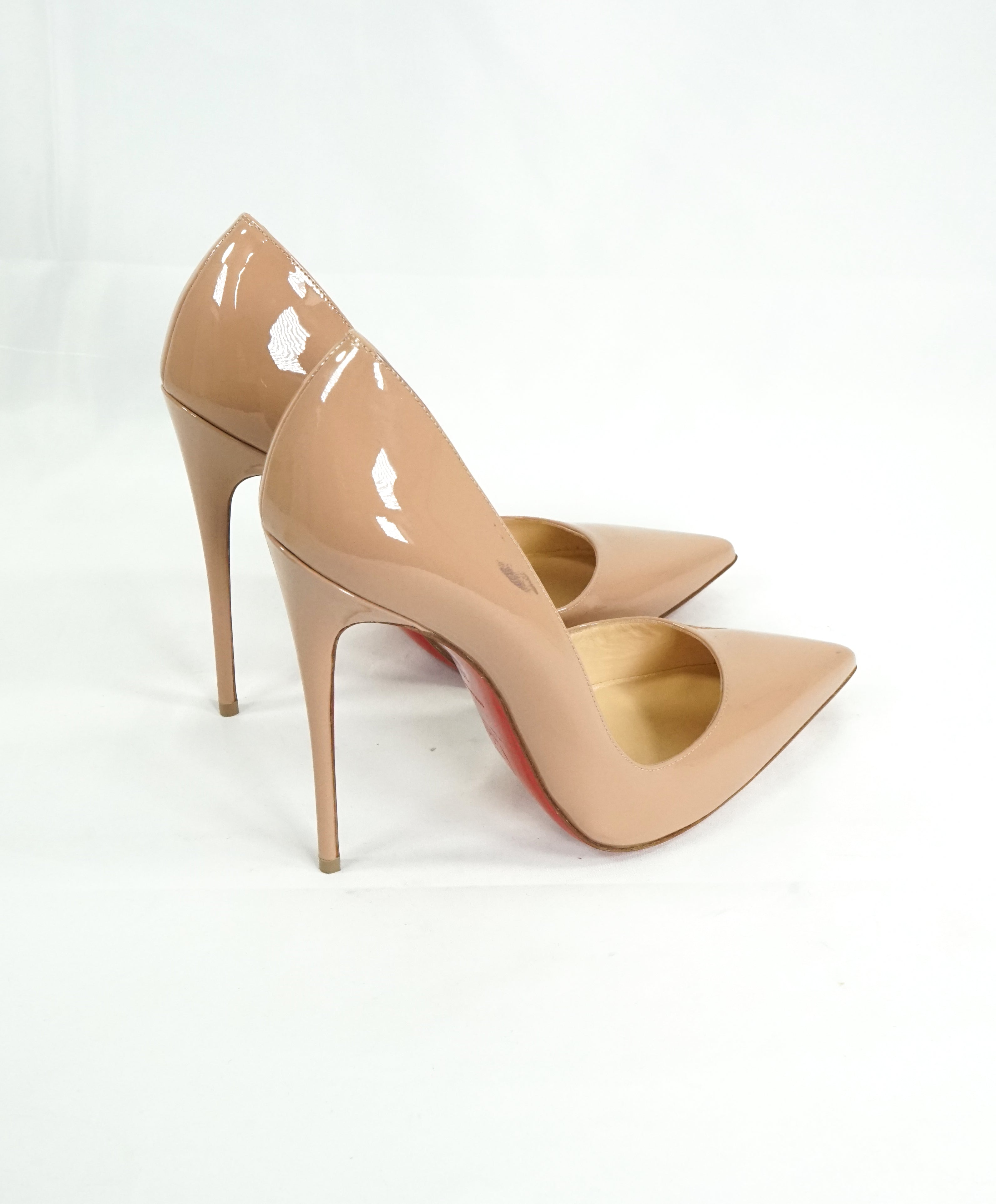 "CHRISTIAN LOUBOUTIN - ""So Kate 120"" Nude Patent Leather Pumps - R-39.5 L-40"