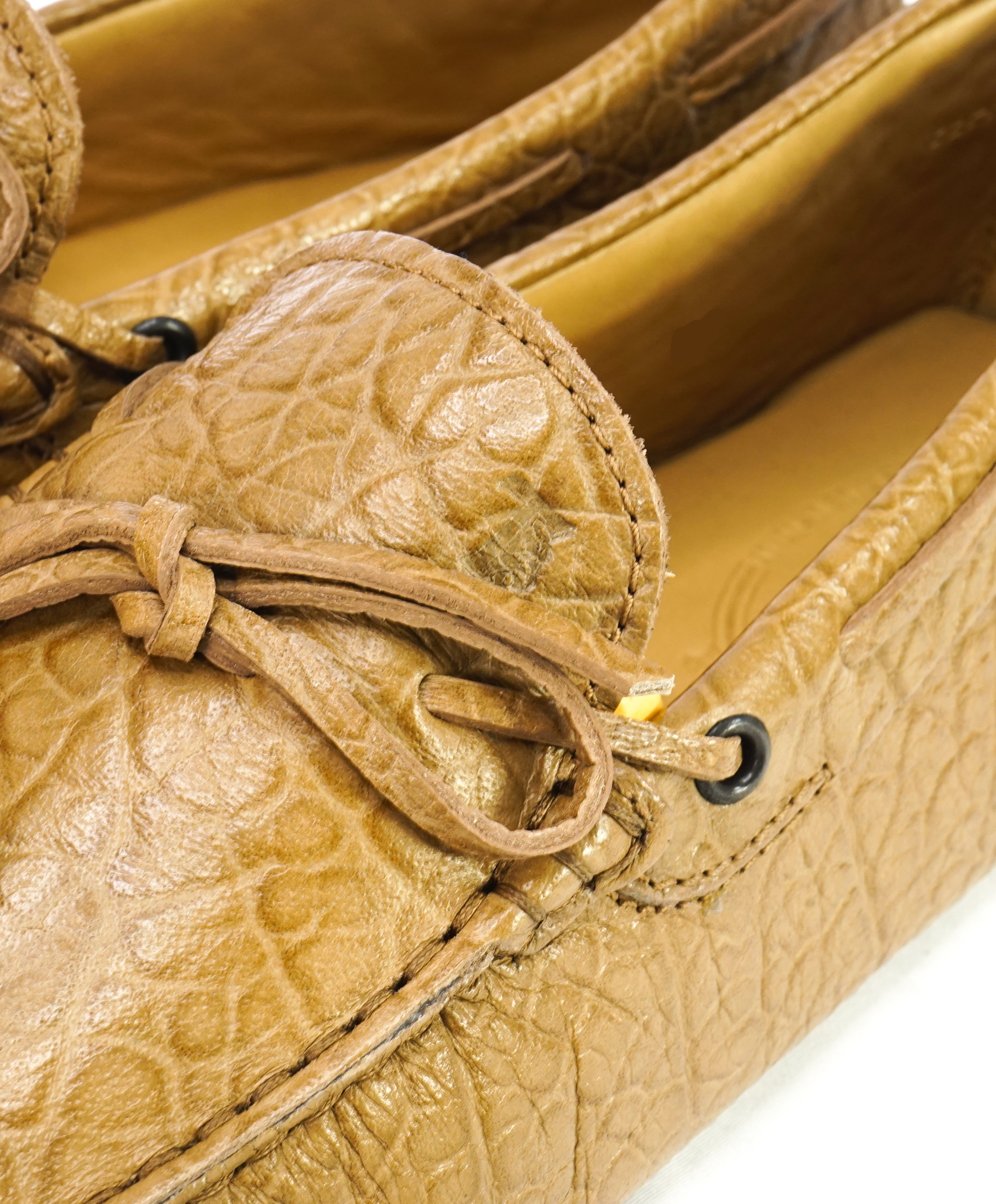 TOD'S - Beige Crocodile Embossed Logo Driving Loafers- 9US