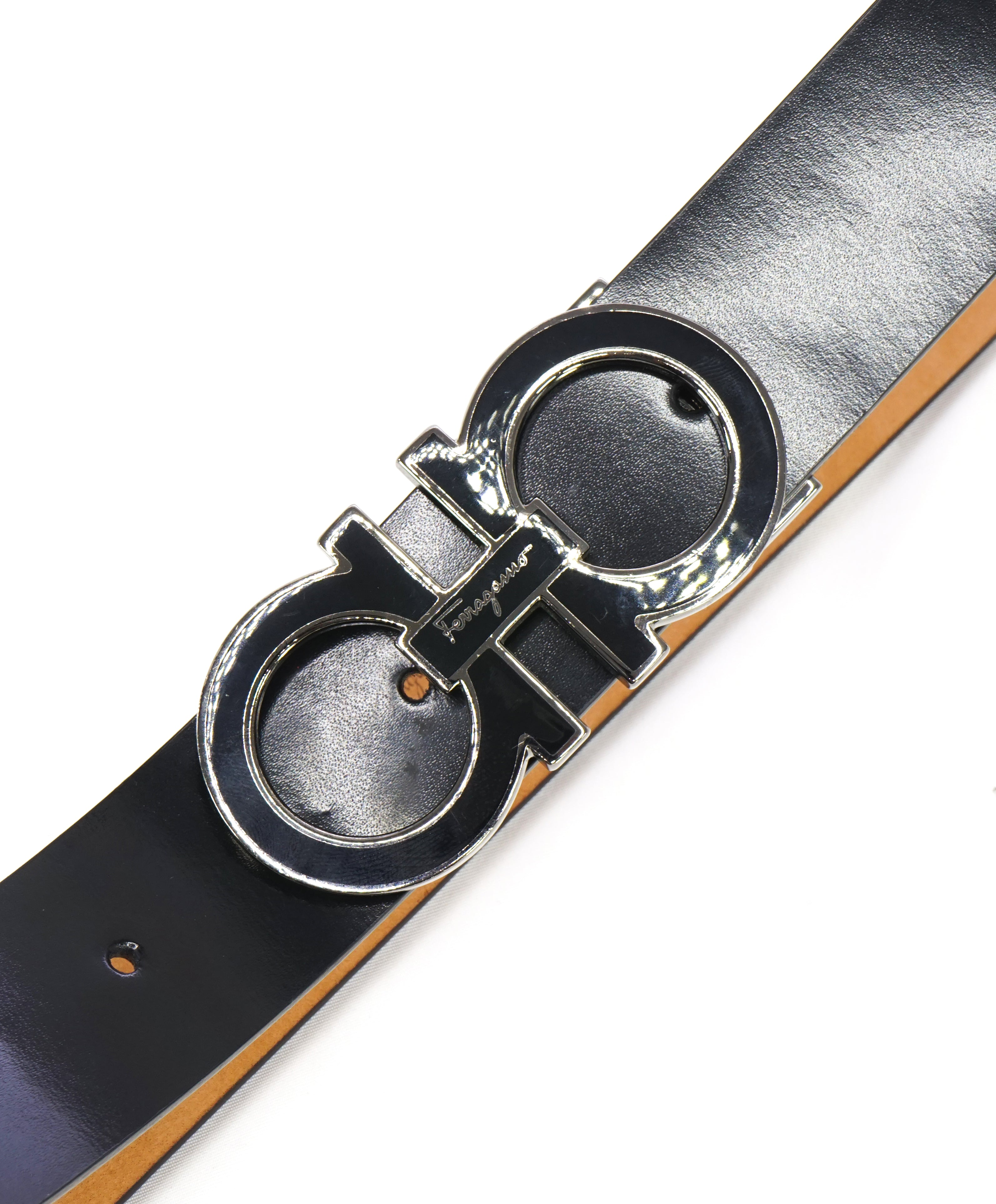 SALVATORE FERRAGAMO - Gloss Finish Black Gancini Buckle Leather Belt - 44W
