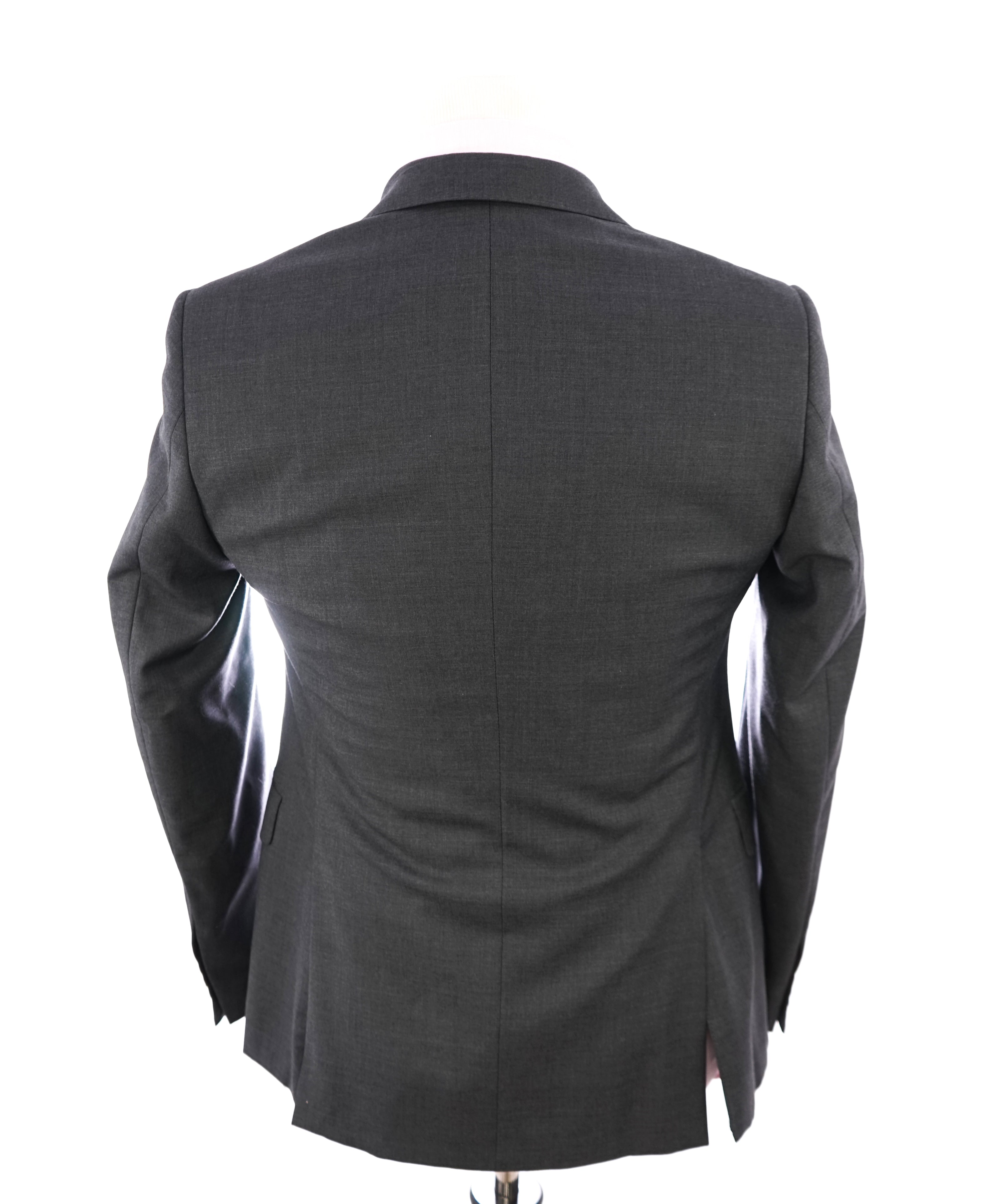 ARMANI COLLEZIONI - Solid Gray Wool Suit W Pick Stitch Detail - 36R