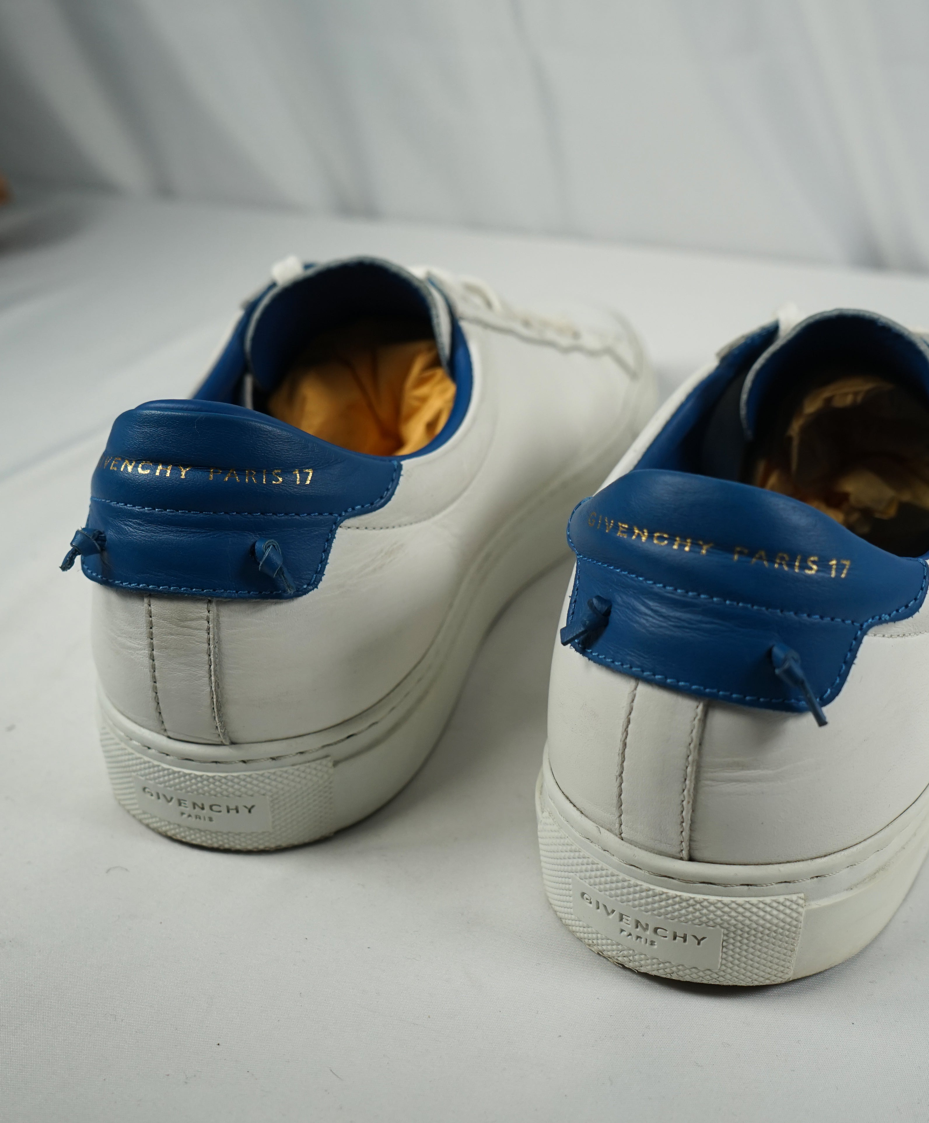 "GIVENCHY - ""Knot"" White Iconic Sneaker With Blue & Gold Logo Back - 9"