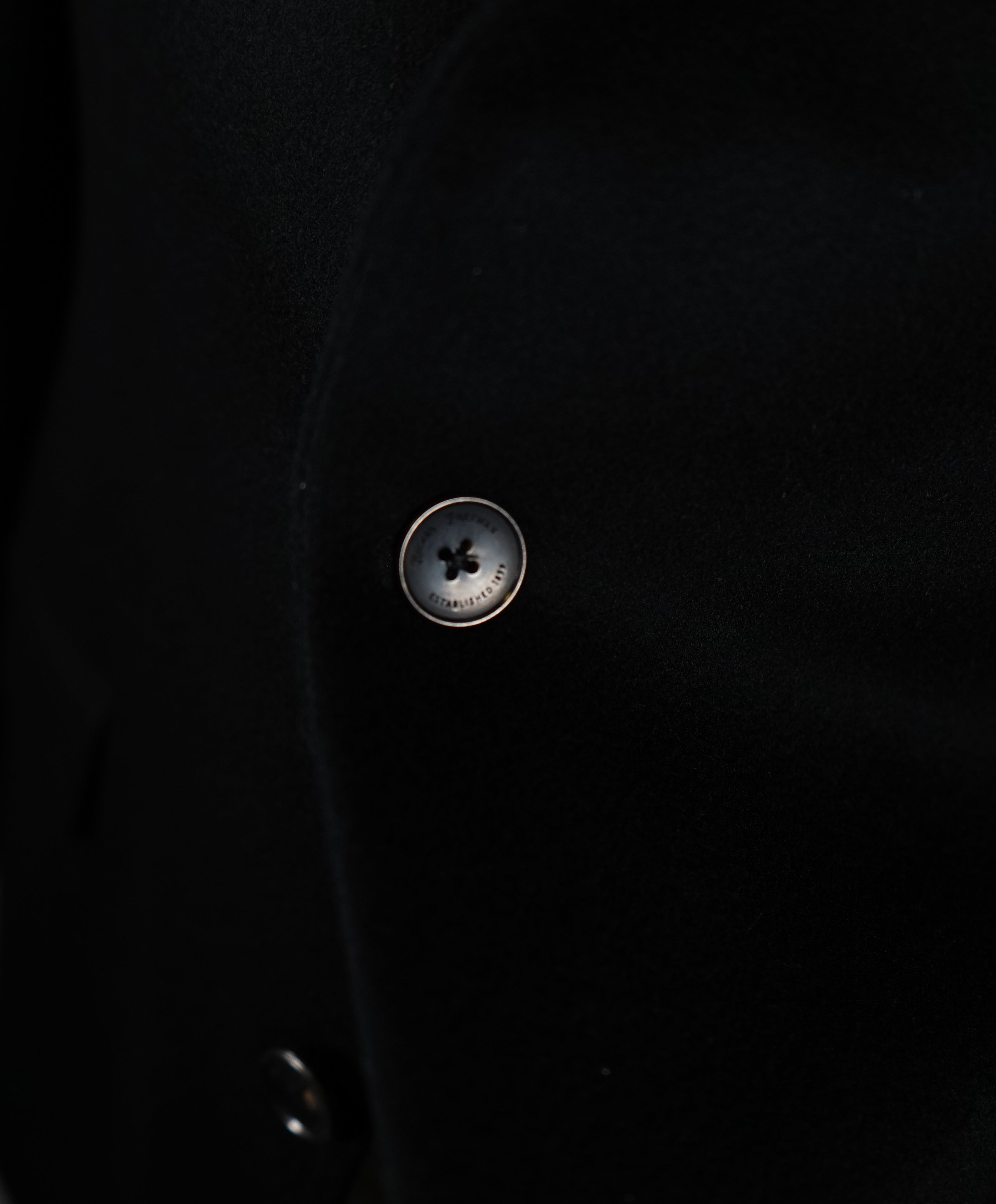HICKEY FREEMAN - 100% Cashmere Black Blazer Engraved Buttons - 42R