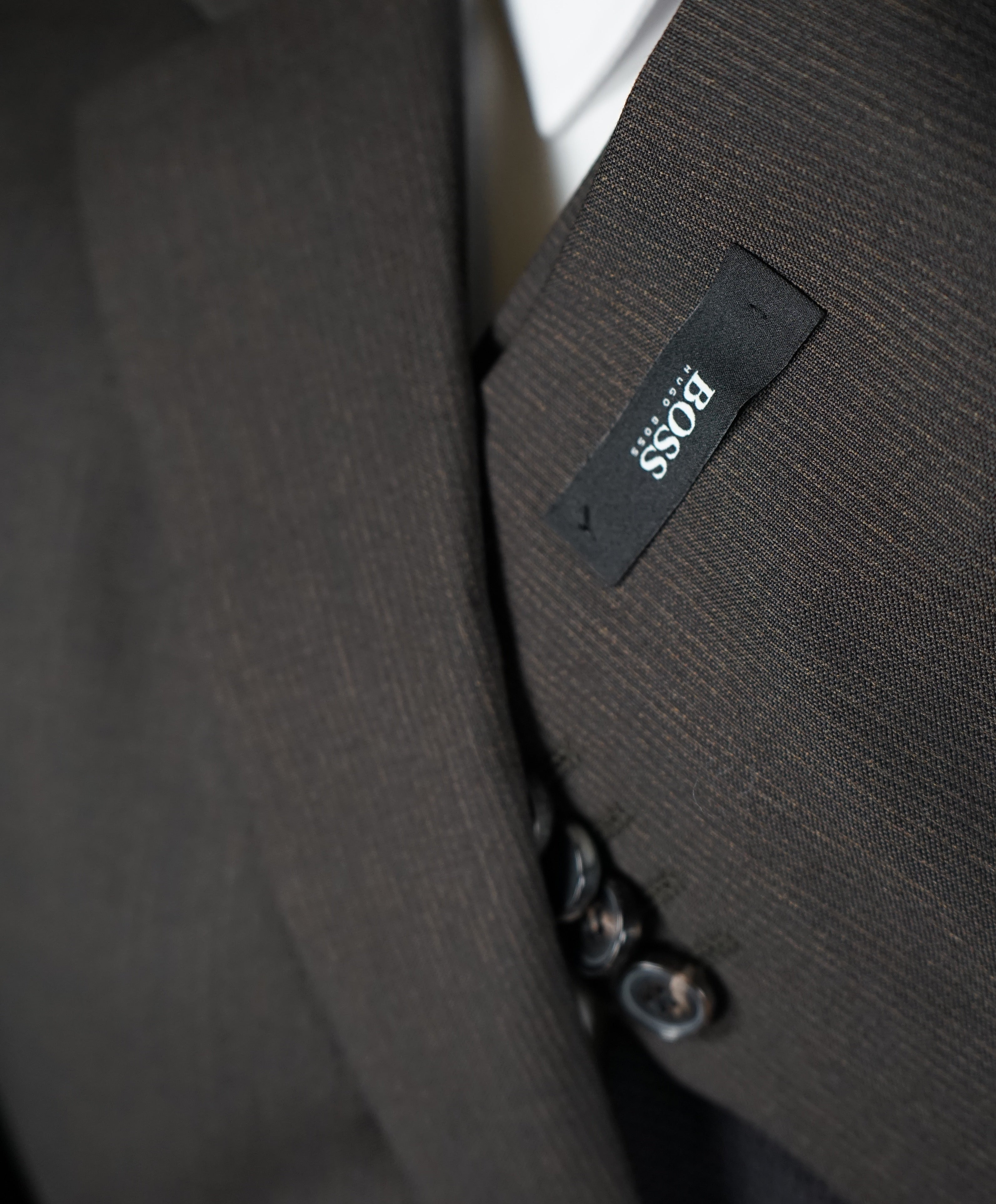HUGO BOSS - Brown Micro Stripe Suit W Genuine Horn Buttons - 42S