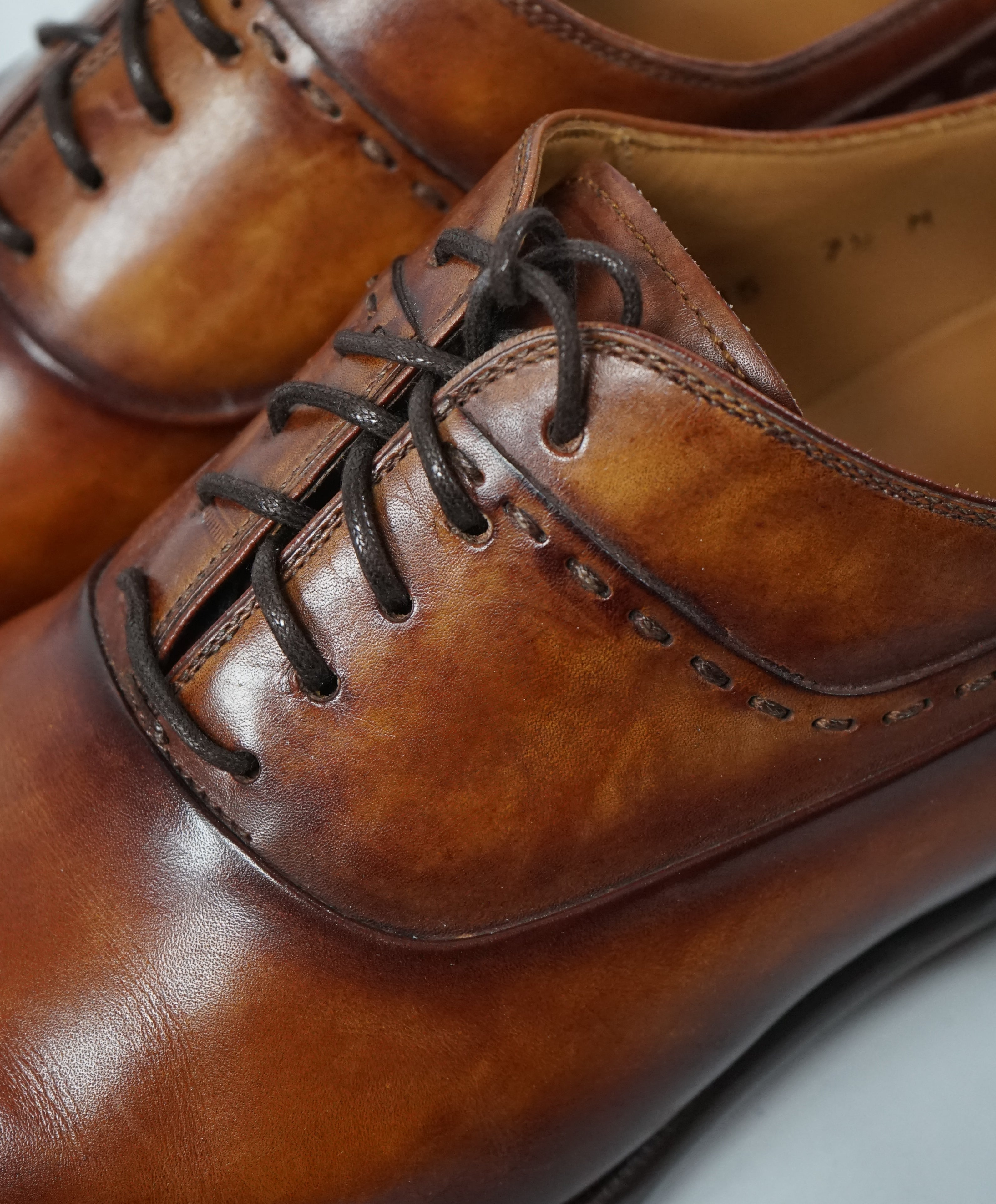 MAGNANNI - Hand Patina Oxfords In A Sleek Detailed Silhouette - 7.5