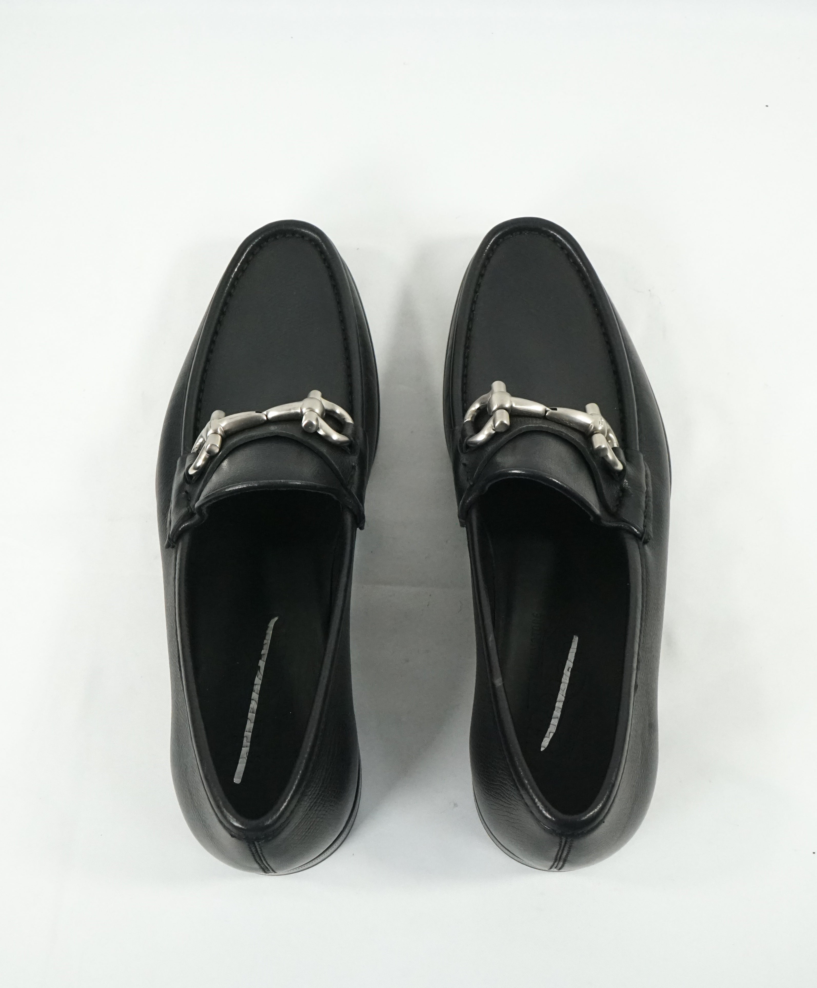 "SALVATORE FERRAGAMO - ""Mason"" Pebbled Leather Logo Bit Loafers - 7 D"