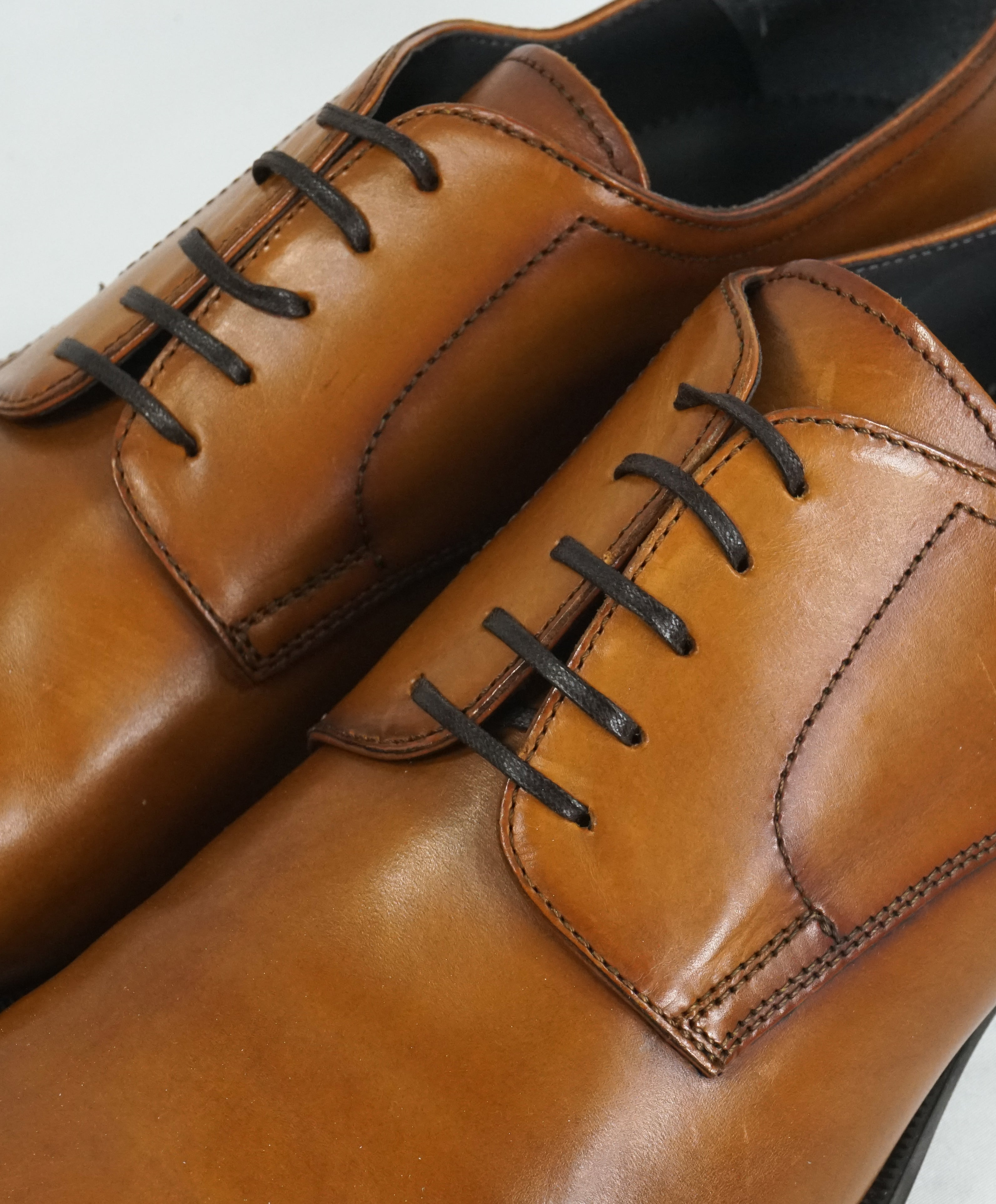 TO BOOT NEW YORK - Burnished Tip Sleek Oxfords W Rubber Sole - 10.5