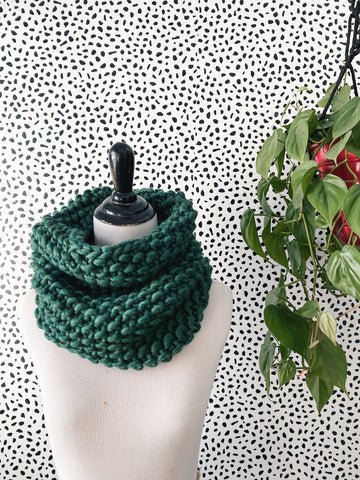 Merino Bubble Fluff Cowl in Enchanted Forest