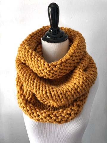 Neckwarmer in Mustard