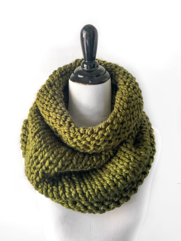 Neckwarmer in Cilantro