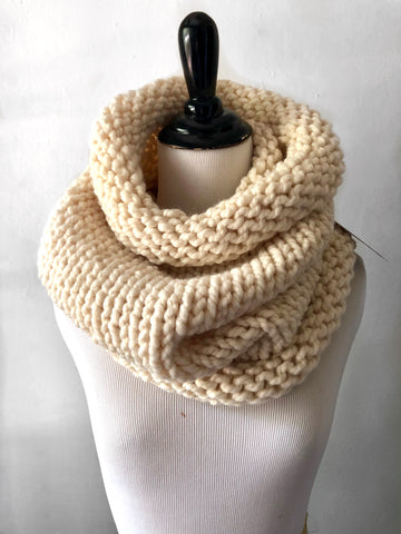 Neckwarmer in Winter White
