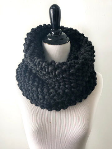 Merino Wool Bubble Fluff Cowl in Almost Black, Scarf, Nickichicki - Nickichicki