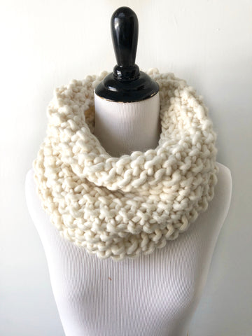 Merino Wool Bubble Fluff Cowl in Winter White, Scarf, Nickichicki - Nickichicki