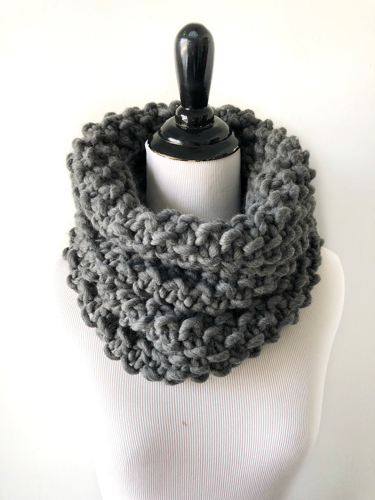 Merino Wool Bubble Fluff Cowl in Charcoal, Scarf, Nickichicki - Nickichicki