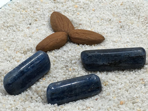 Kyanite Blue: tumbled