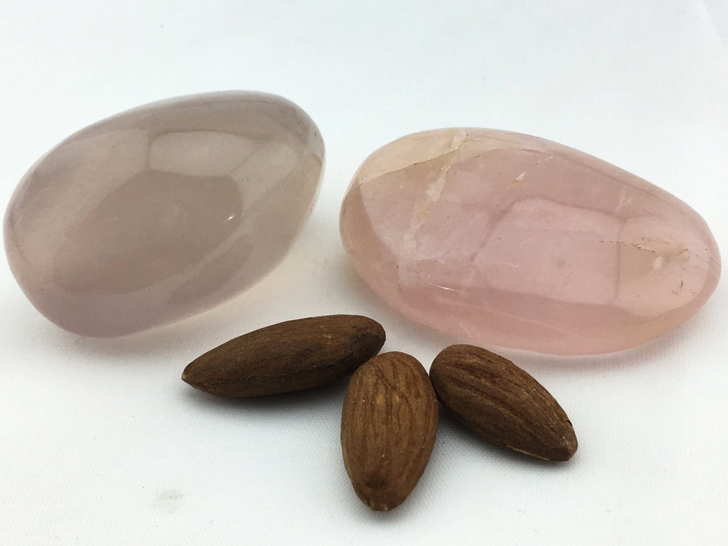 Rose Quartz: Pebble