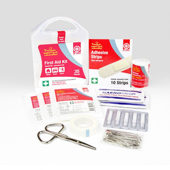 ST JOHN 35 PIECE FIRST AID KIT