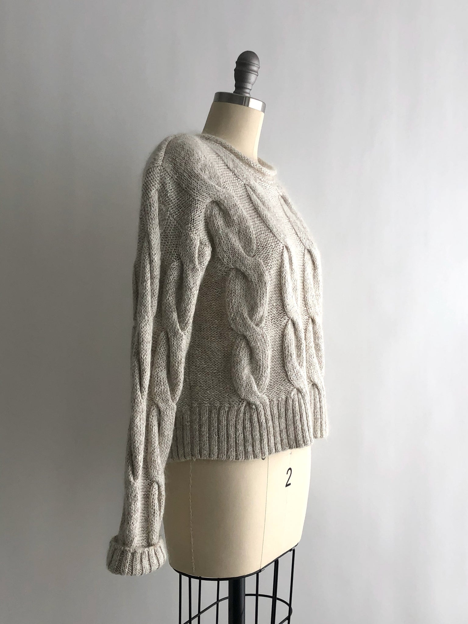Vintage 80s Beige Cable Knit Cropped Mohair Sweater by Lizsport