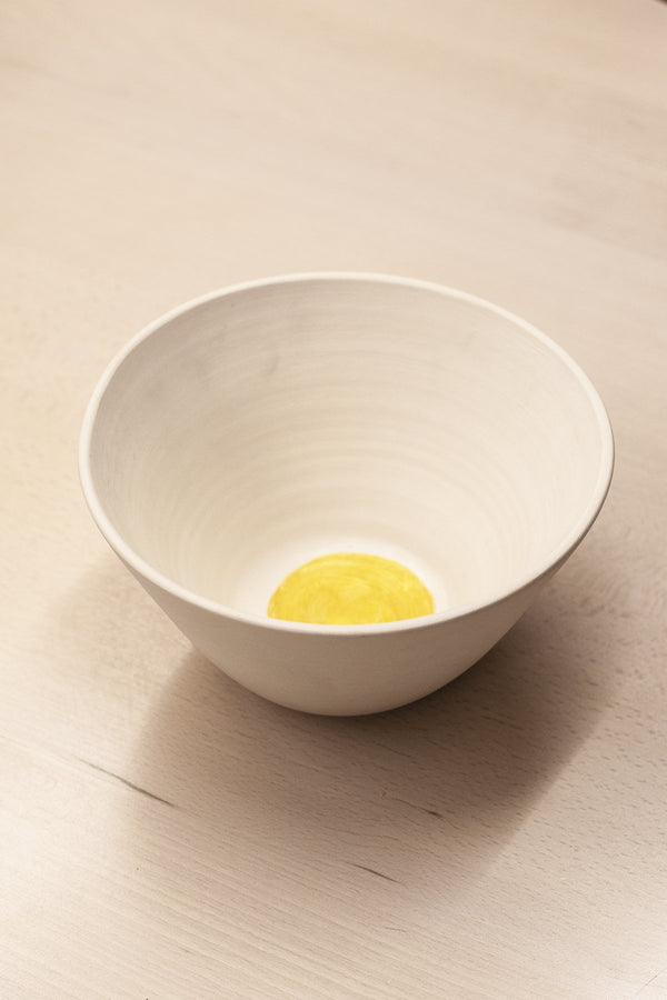 Gold center porcelain bowl