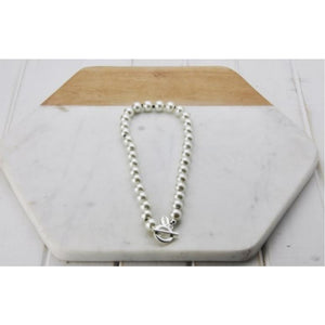 Pearl T- bar necklace