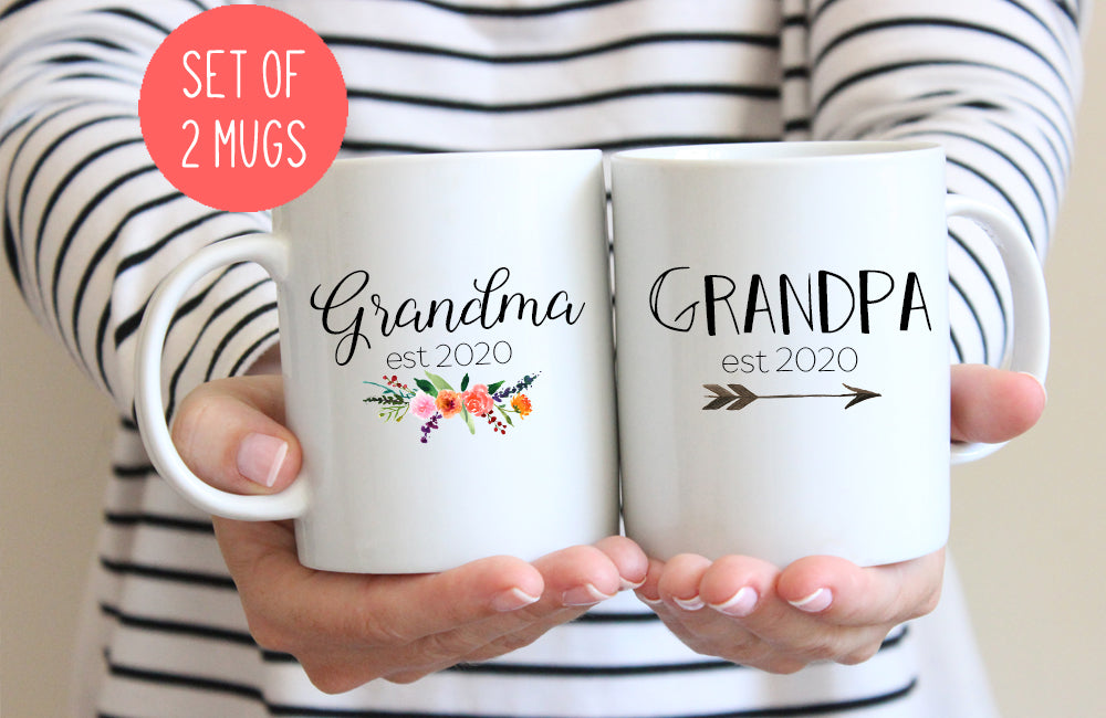 Grandparents mug set, Grandma and Grandpa 2020 or 2021, pregnancy reveal mugs (M384 M404 2D)