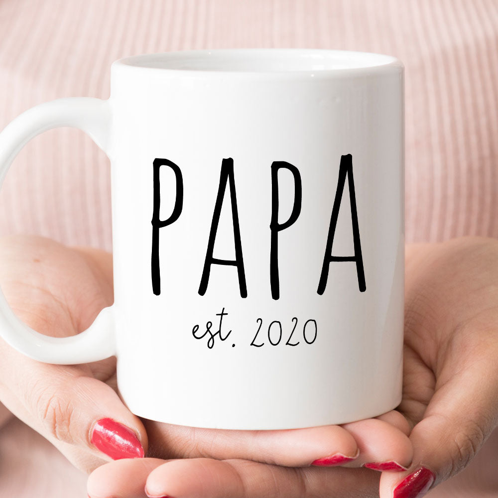 Papa est 2020 or 2021 Coffee Mug, New Papa Gift (M1712)