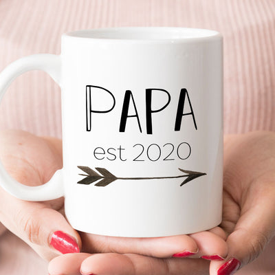 Papa est 2020 or 2019 Coffee Mug, New Papa Pregnancy Announcement Gift (M462)