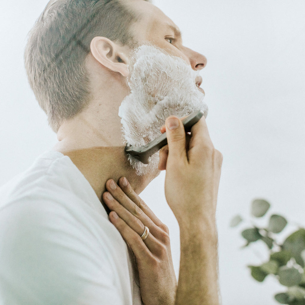 Men's Shaving Tips for Clear Skin