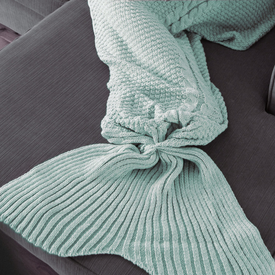 Kids Luxe Mermaid Tail Blanket in Majestic Mint