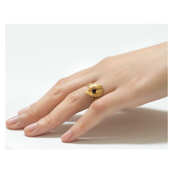 CLELIE Delicate Adjustable Leave Ring Black