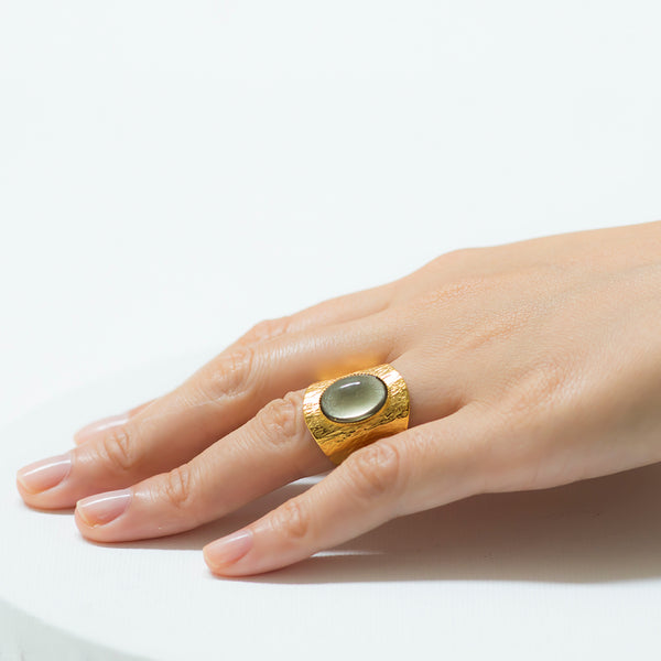 NEZA Adjustable Ring grey cabochon