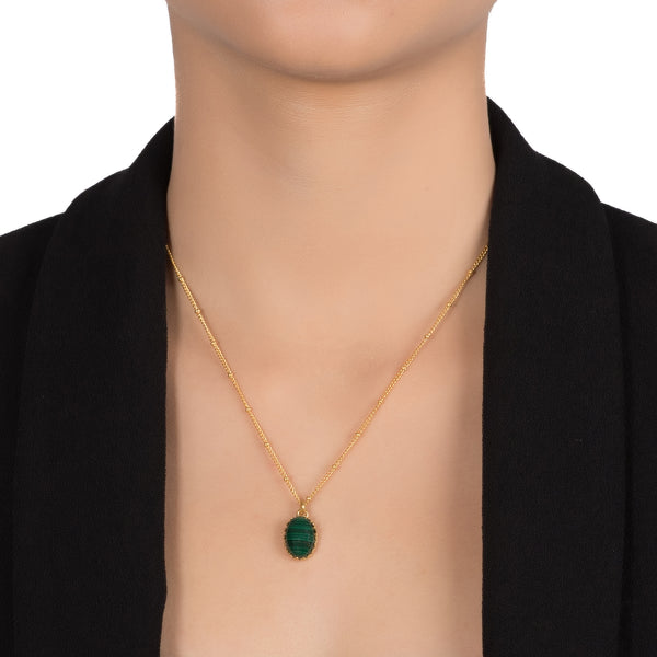 MEDICIS Vintage-inspired necklace Malachite